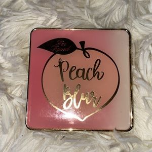Too Faced Peach Blur Translucent Finishing Powder